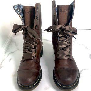 Dr. Martens Aimilie Blue Floral TRIUMPH 1914 Boots